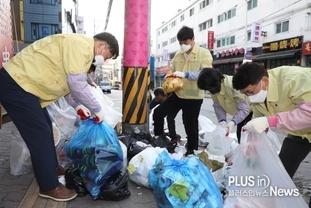 수원시의회,'쓰레기 대란'현장 분리배출 샘플링 작업 참여