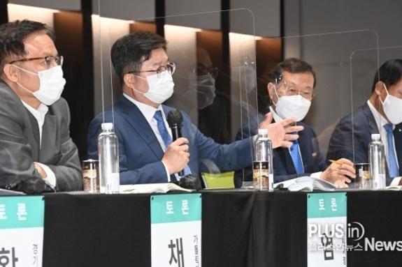 """염태영 시장 """"지방분권형 개헌으로 지방자치 발전 가능"""""""